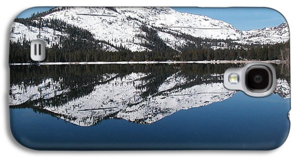 Water Dogs Mixed Media Galaxy S4 Cases - Donner Lake Morning Galaxy S4 Case by Mickey Hatt