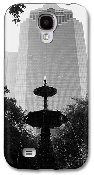Usa Sculptures Galaxy S4 Cases - Downtain Fountain Galaxy S4 Case by Nathan Little