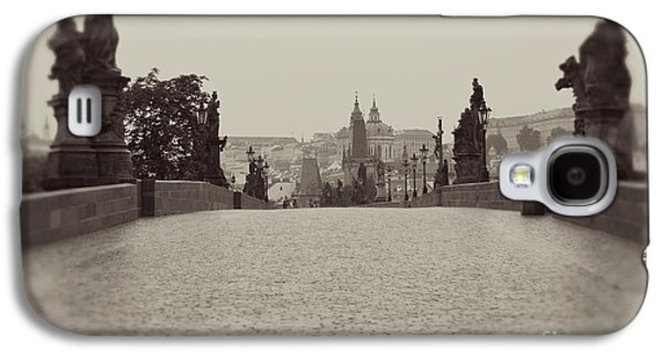 Gas Lamp Photographs Galaxy S4 Cases - Dreaming of Prague Galaxy S4 Case by Ivy Ho