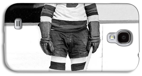 Ice-skating Galaxy S4 Cases - Eddie Shore Hockey Legend Galaxy S4 Case by Gianfranco Weiss