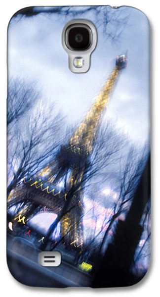 Eiffel On The Move Galaxy S4 Case by Mike McGlothlen