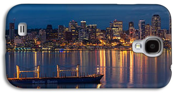Calm Photographs Galaxy S4 Cases - Elliott Bay Seattle Skyline Night Reflections  Galaxy S4 Case by Mike Reid