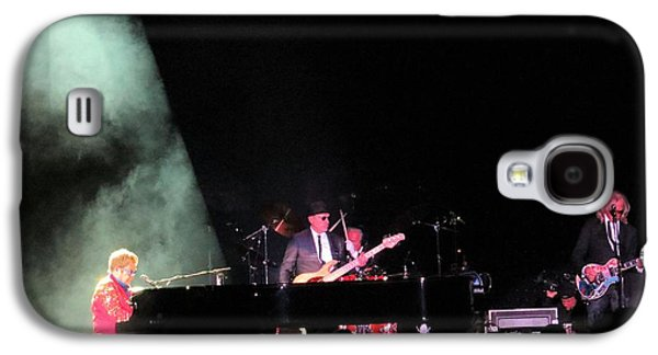 Elton John Photographs Galaxy S4 Cases - Elton And Band Galaxy S4 Case by Aaron Martens