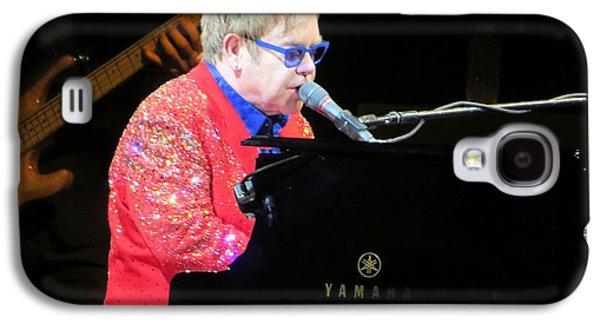 Elton John Photographs Galaxy S4 Cases - Elton John live Galaxy S4 Case by Aaron Martens