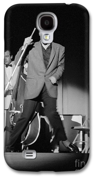 Elvis Presley Galaxy S4 Cases - Elvis Presley and Bill Black performing in 1956 Galaxy S4 Case by The Phillip Harrington Collection