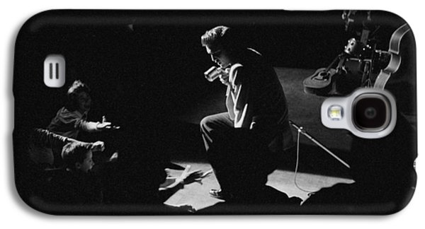 Elvis Presley Galaxy S4 Cases - Elvis Presley on stage at the Fox Theater in Detroit 1956 Galaxy S4 Case by The Phillip Harrington Collection