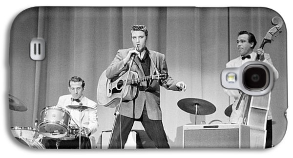 Elvis Presley Galaxy S4 Cases - Elvis Presley with D.J. Fontana and Bill Black 1956 Galaxy S4 Case by The Phillip Harrington Collection