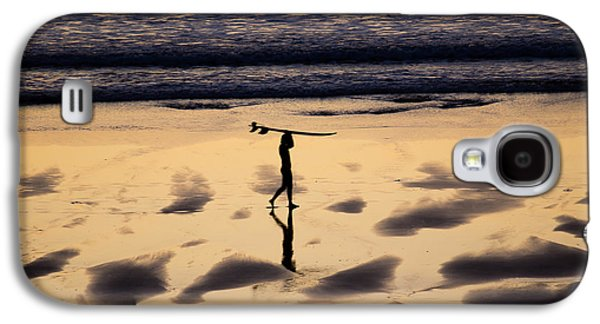 Poster Art Galaxy S4 Cases - End of the surfing session Galaxy S4 Case by Jb Atelier