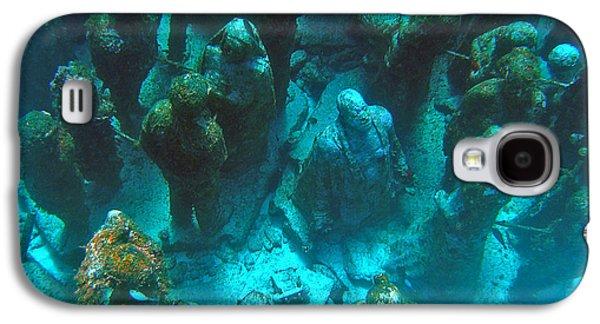 Alga Galaxy S4 Cases - Estatuas submarinas Galaxy S4 Case by Agus Aldalur