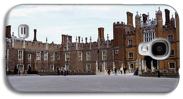 Hamptons Galaxy S4 Cases - Facade Of A Building, Hampton Court Galaxy S4 Case by Panoramic Images