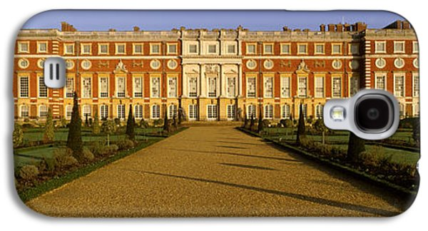Hamptons Galaxy S4 Cases - Facade Of The Palace, Hampton Court Galaxy S4 Case by Panoramic Images