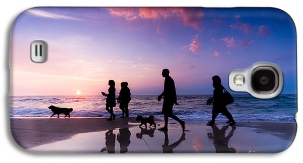 Family Walks Galaxy S4 Cases - Family walk Galaxy S4 Case by Michal Bednarek