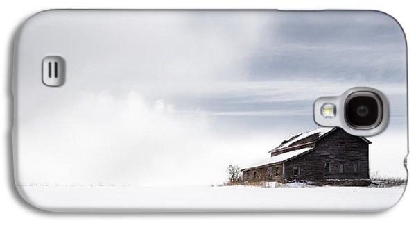 Barns In Snow Galaxy S4 Cases - Farmhouse - A snowy winter landscape Galaxy S4 Case by Gary Heller