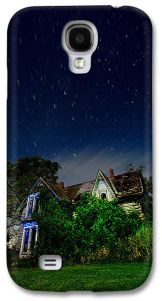 Creepy Galaxy S4 Cases - Farmhouse Star Trails.  Galaxy S4 Case by Cale Best