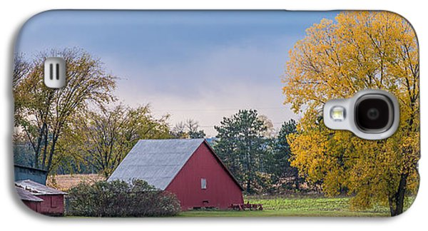 Outbuildings Galaxy S4 Cases - Farmstead With Fall Colors Galaxy S4 Case by Paul Freidlund