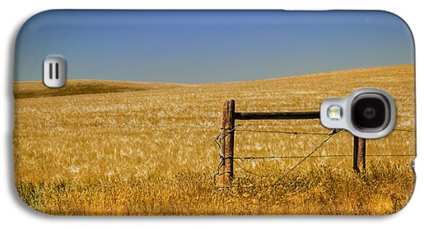 Old Fence Posts Galaxy S4 Cases - Fence Post Near Choteau Montana Galaxy S4 Case by Rich Franco