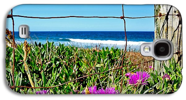Old Fence Posts Galaxy S4 Cases - Fenced In Galaxy S4 Case by Kaye Menner