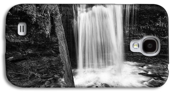 Idaho Photographs Galaxy S4 Cases - Fern Falls Black and White Galaxy S4 Case by Mark Kiver