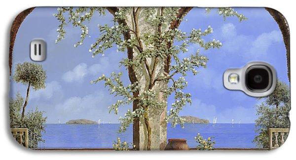 White Flowers Galaxy S4 Cases - Fiori Bianchi Sulla Parete Galaxy S4 Case by Guido Borelli
