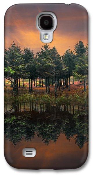 Waterscape Galaxy S4 Cases - Fire Galaxy S4 Case by Debra and Dave Vanderlaan