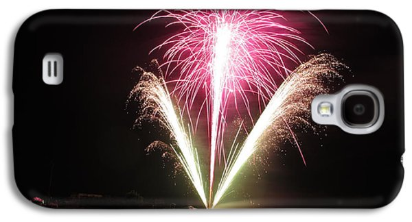 American Independance Photographs Galaxy S4 Cases - Fireworks at Cooks Galaxy S4 Case by Donnie Freeman