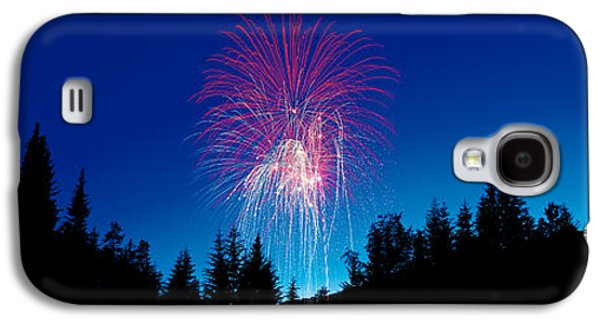 Pyrotechnics Galaxy S4 Cases - Fireworks, Canada Day, Banff National Galaxy S4 Case by Panoramic Images
