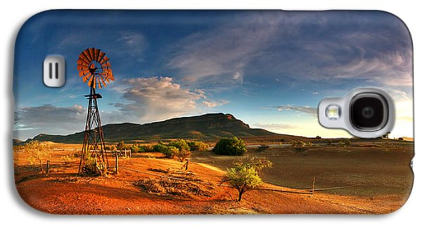 Landscapes Photographs Galaxy S4 Cases - First Light on Wilpena Pound Galaxy S4 Case by Bill  Robinson