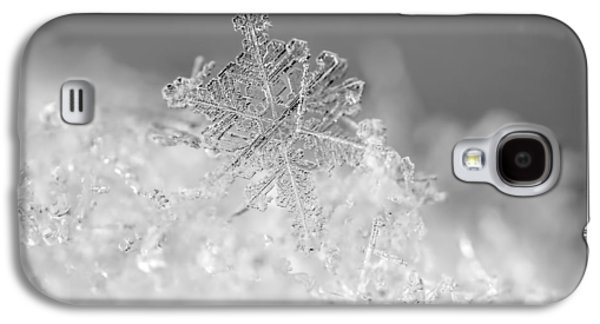 Black And White Art Galaxy S4 Cases - First Snowflake Galaxy S4 Case by Rona Black