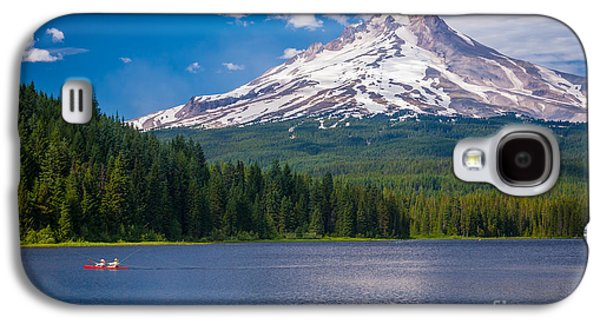 Canoeing Galaxy S4 Cases - Fishing on Trillium Lake Galaxy S4 Case by Inge Johnsson