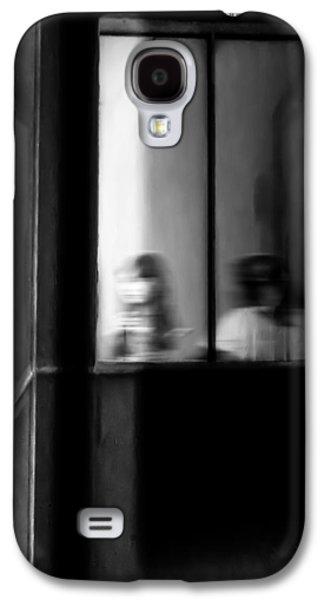 Friends Photographs Galaxy S4 Cases - Five Windows Galaxy S4 Case by Bob Orsillo