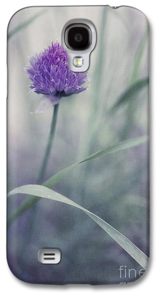 Gardening Photography Galaxy S4 Cases - Flowering Chive Galaxy S4 Case by Priska Wettstein