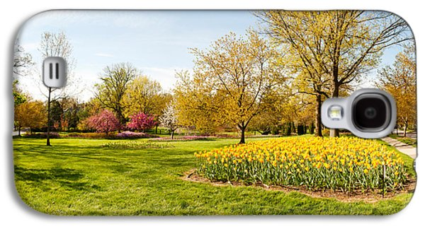 Garden Scene Galaxy S4 Cases - Flowers With Trees At Sherwood Gardens Galaxy S4 Case by Panoramic Images