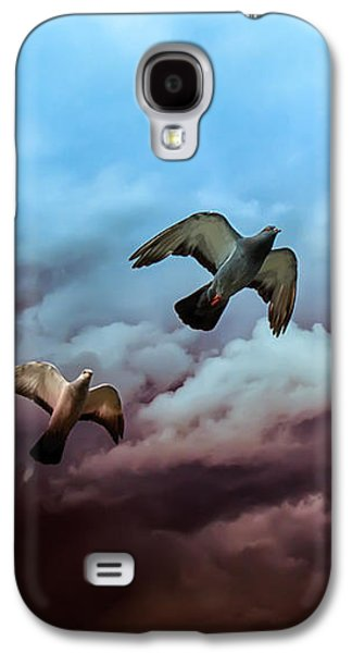 Dreamscape Galaxy S4 Cases - Flying before the storm Galaxy S4 Case by Bob Orsillo