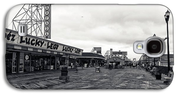 Seaside Heights Galaxy S4 Cases - Flying Over the Boardwalk mono Galaxy S4 Case by John Rizzuto