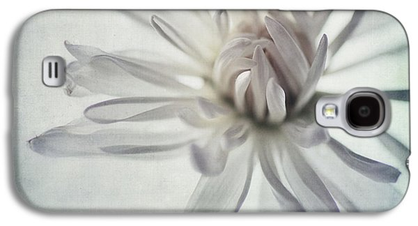 Textured Floral Galaxy S4 Cases - Focus On The Heart Galaxy S4 Case by Priska Wettstein