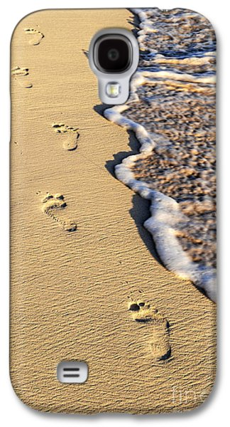 Beach Landscape Galaxy S4 Cases - Footprints on beach Galaxy S4 Case by Elena Elisseeva
