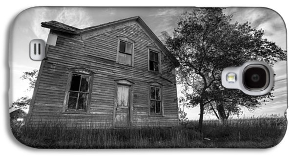 Abandoned House Photographs Galaxy S4 Cases - Forgotten Galaxy S4 Case by Aaron J Groen