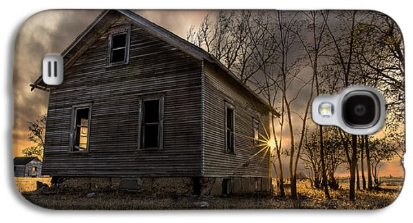 Abandoned House Photographs Galaxy S4 Cases - Forgotten V Galaxy S4 Case by Aaron J Groen