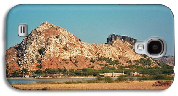 Ancient Galaxy S4 Cases - Castle Fort on the Way to Jaipur - India Galaxy S4 Case by Kim Bemis