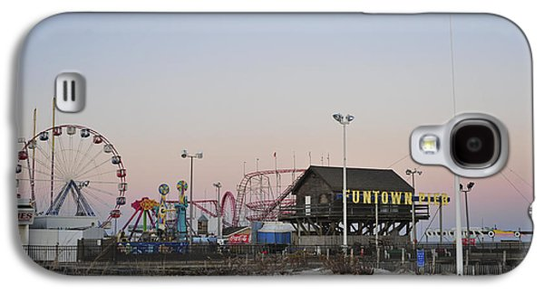 Seaside Heights Photographs Galaxy S4 Cases - Fun at the Shore Seaside Park New Jersey Galaxy S4 Case by Terry DeLuco