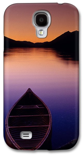 Dreamscape Galaxy S4 Cases - Fv5270, Chris Harris Red Canoe On Shore Galaxy S4 Case by Chris Harris