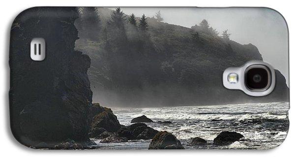 Foggy Beach Galaxy S4 Cases - Giants In The Fog Galaxy S4 Case by Adam Jewell