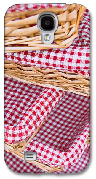 Table Cloth Galaxy S4 Cases - Gingham baskets Galaxy S4 Case by Tom Gowanlock