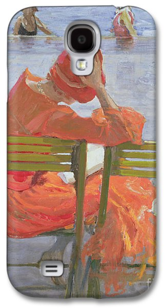 Novel Paintings Galaxy S4 Cases - Girl in a red dress reading by a swimming pool Galaxy S4 Case by Sir John Lavery