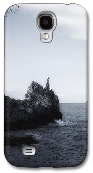 Girl Galaxy S4 Cases - Girl On Cliffs Galaxy S4 Case by Joana Kruse