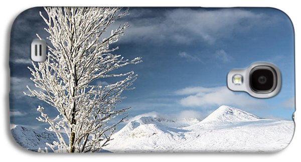 Snow Scenes Galaxy S4 Cases - Glencoe winter landscape Galaxy S4 Case by Grant Glendinning