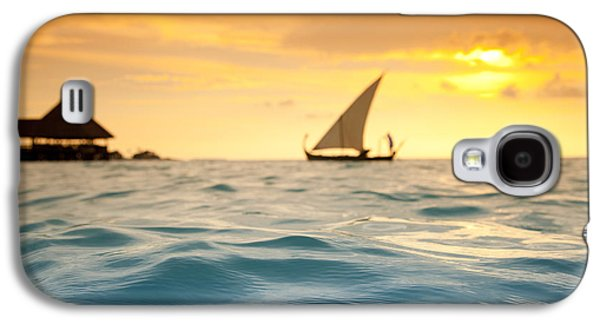 Ocean Panorama Galaxy S4 Cases - Golden Dhoni Sunset Galaxy S4 Case by Sean Davey