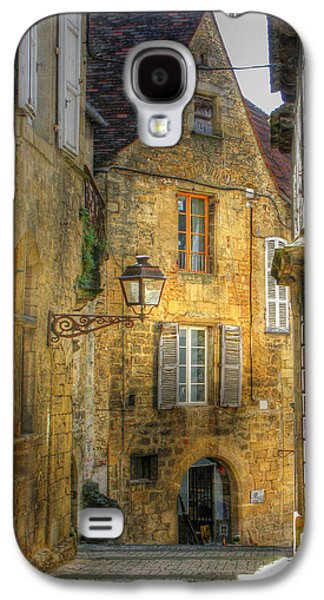 Gas Lamp Photographs Galaxy S4 Cases - Golden Light in Sarlat Galaxy S4 Case by Douglas J Fisher