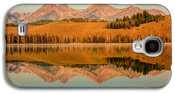 Haybale Photographs Galaxy S4 Cases - Golden Mountains  Reflection Galaxy S4 Case by Robert Bales