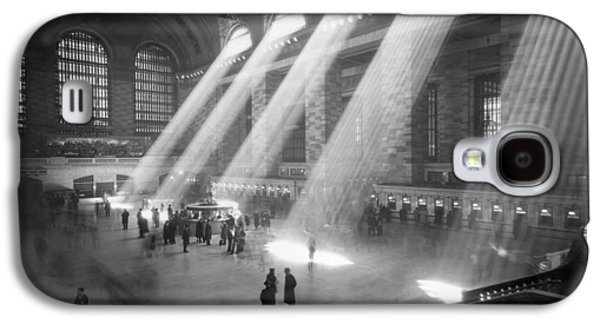 Grand Central Station Sunbeams Galaxy S4 Case by Underwood Archives